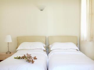 Family villa w.dbl and twin bedroom, sea view - Agios Prokopios vacation rentals