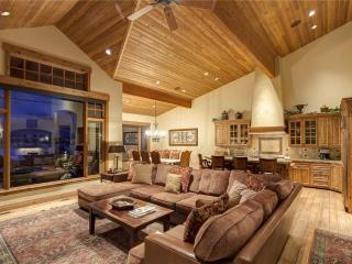 Gorgeous Condo with Deck and A/C - Park City vacation rentals