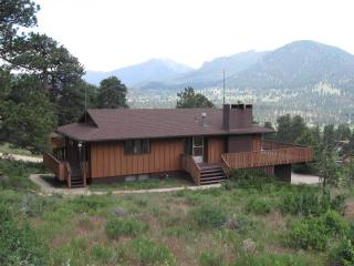 Breathtaking Views,Huge Deck,4 bdrm 2ba,Fireplace - Estes Park vacation rentals