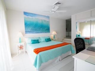 Villa near beach and Atlantis resort , Paradise Is - Paradise Island vacation rentals