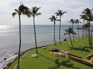 Remodeled oceanfront condo with 180* views - Wailuku vacation rentals