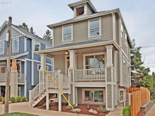 Bright Condo with Internet Access and Satellite Or Cable TV - Portland vacation rentals