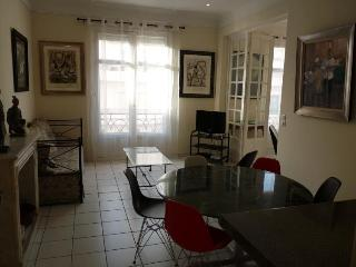 Miramar Oustanding 2 Bedroom Vacation Home in Cannes - Cannes vacation rentals