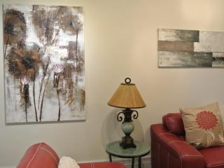 Trendy Area Apartment Facing Park - 5 minu - Montreal vacation rentals