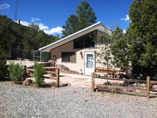 Mountain Sports Cottage - Trails - Cedar Crest vacation rentals