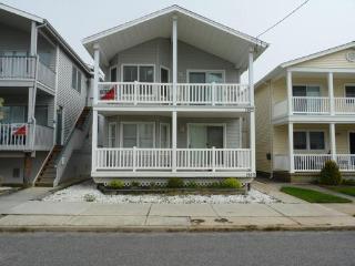 Cozy 3 bedroom Ocean City House with Deck - Ocean City vacation rentals
