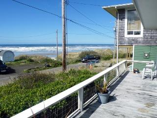 Spectacular ocean views from this dog-friendly cottage await! - Florence vacation rentals