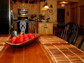 Beautiful 3 bedroom Cabin in Ruidoso with Wireless Internet - Ruidoso vacation rentals