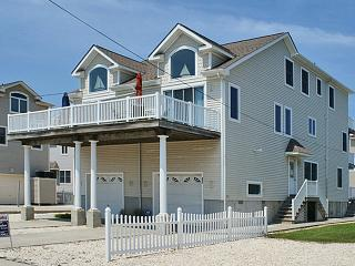 Bright 4 bedroom House in Avalon - Avalon vacation rentals