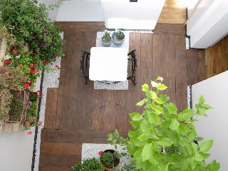 F12 |FK Cosy design flat with winter garden - Catania vacation rentals