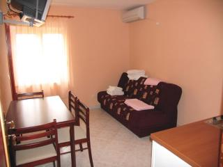 Apartments Filip - 44351-A1 - Podstrana vacation rentals