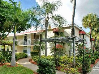 Cute condo in a lush tropical setting close to beaches - Naples vacation rentals