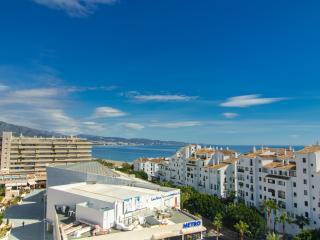 Puerto Banus - Beachside Sleeps 4 - Puerto José Banús vacation rentals
