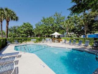 Harbourside One 7129, 3 Bedrooms, Large Pool, Marina View, Sleeps 6, - Palmetto Dunes vacation rentals