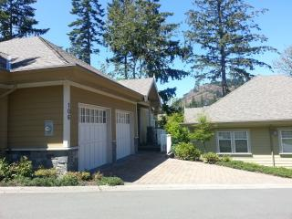 Bear Mountain Luxurious Home on Troon - Victoria vacation rentals