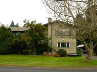Country living near the city in Central Saanich - Saanichton vacation rentals