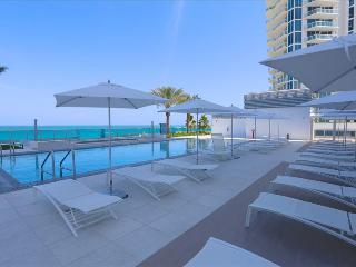 MIAMI - MonteCarlo: 1BR Suite on the Beach W/Five Star Amenities - Miami Beach vacation rentals