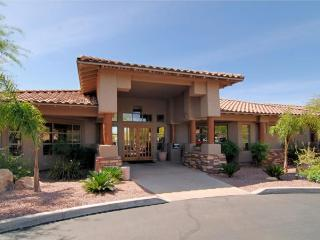 Golf Course & Mountain Views In Oro Valley - Oro Valley vacation rentals