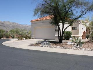 Spacious townhome offers magnificent mtn views!!! - Tucson vacation rentals