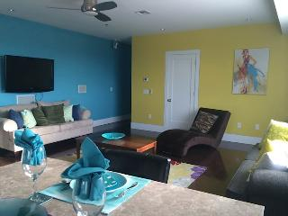 Stunning Apartment 15 Minutes From Times Square - Union City vacation rentals