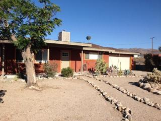Fully Furnished Maude House includes TV & WiFi - Twentynine Palms vacation rentals