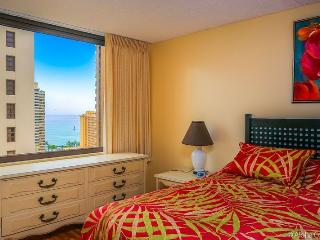 Waikiki Banyan, Condo 1906 - Honolulu vacation rentals