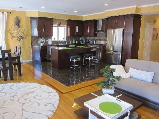 Incredible 2br Huge Apartment! Family-friendly! - Brooklyn vacation rentals