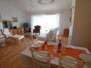 Villa Klara-Apartment Gallery, Kastel Gomilica - Kastel Gomilica vacation rentals