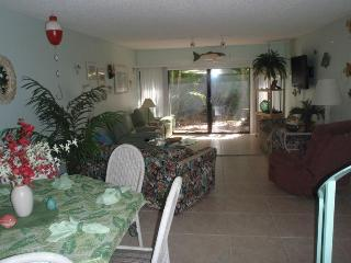 DEC &  APRIL DEAL MONTH MINIMUM ENJOY! (phone: hidden) - Islamorada vacation rentals