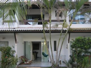 BEACHFRONT Townhouse, 3 Bedroom, 3.5 Bath, Flamengo Beach, Salvador, Brazil - Salvador vacation rentals