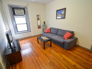 THE BEST ONE BED IN COLUMBUS CIRCLE - New York City vacation rentals