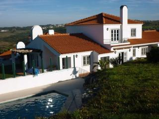 Villa in Sintra, swimmingpool, lovely views, 10km from  the beach. - Alentejo vacation rentals