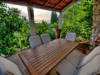 Luxury apartment with jacuzzi and sea view - Stari Grad vacation rentals