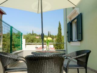 Apartments Miodrag - 44881-A2 - Stomorska vacation rentals