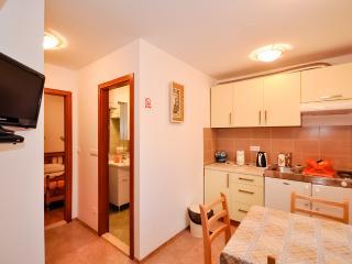 Apartments Mira - 44971-A2 - Omis vacation rentals