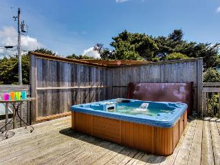 4BR home w/private hot tub; ocean views; fireplace - Lincoln City vacation rentals