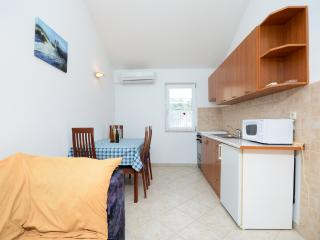 Apartments Lidija - 68881-A1 - Palit vacation rentals