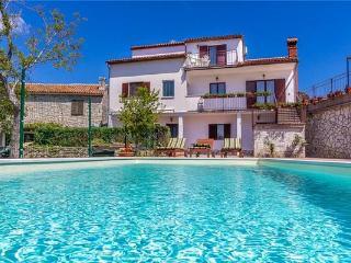8 bedroom Villa in Barban, Istria, Croatia : ref 2234334 - Manjadvorci vacation rentals