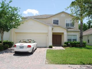 4716 CL  5 bedroom 4 full baths, 2 half baths, Wi-Fi, games room, pool, pet friendly - Kissimmee vacation rentals