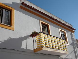 Two bedroom apartment, 200 metres from the beach. - Leiria District vacation rentals