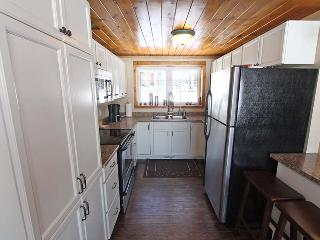 Nice Cottage with Deck and Internet Access - Latchford vacation rentals