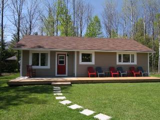 Black's Point Retreat cottage (#860) - Goderich vacation rentals
