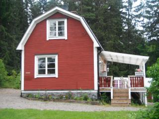 Beautiful 1 bedroom Cottage in Karlskoga - Karlskoga vacation rentals