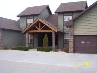 2 Bed/ 2 Bath Luxury Golf Villa Stonebridge Resort - Branson West vacation rentals