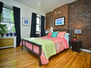 **CARLYLE** Upper East Side 2 Bedroom Apartment! - New York City vacation rentals