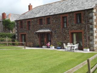 Comfortable 3 bedroom Rock Cottage with Internet Access - Rock vacation rentals