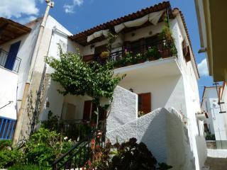 Appartement 3 pièces Poros Attique - Poros vacation rentals