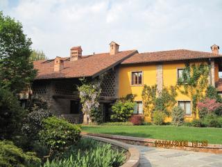Cascina Crocefisso C - Mediglia vacation rentals