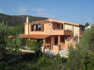 Nice House with A/C and Satellite Or Cable TV - Vinisce vacation rentals