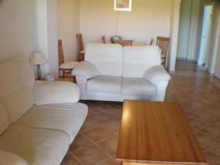 Cozy Apartment with Parking Space and Microwave in Ayamonte - Ayamonte vacation rentals